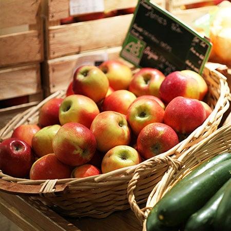 Pommes BIO en vente dans le magasin Origine Cévennes
